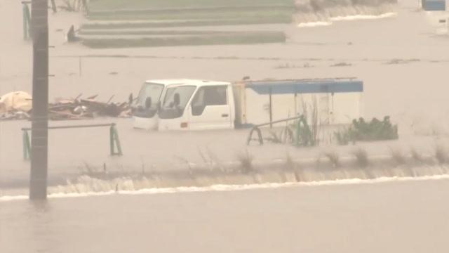 日本多地突降暴雨避难人数高达86万 世界遗产也被冲倒