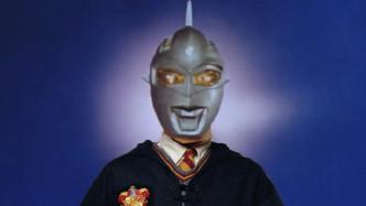 四川方言:哈利波特变成奥特曼?还跟正版奥特曼?#20998;?#26007;勇,笑舒服了!