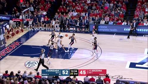 【得分】NBA级别的快攻 基斯珀特急速快下轻松上篮