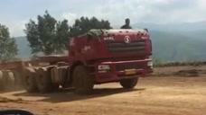 这半挂车到底遭遇了什么,高配旗舰版敞篷货车,实在忍不住笑了!
