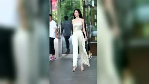 街拍仙女潘南奎,这打扮简直太美了,一般人娶