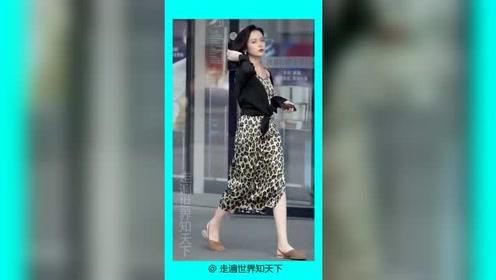 杭州街拍豹纹长裙微胖美女,这身材我打十分