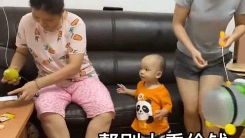 香港人的生活:香港婆婆每天工作15个小时,儿媳妇做视频跑腿挣钱了,立马还3000!