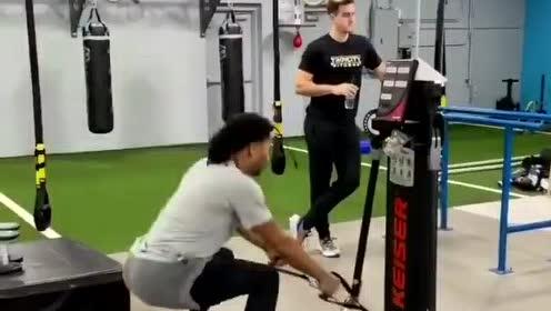 一切为了一枚总冠军戒指 罗斯高强度身体训练