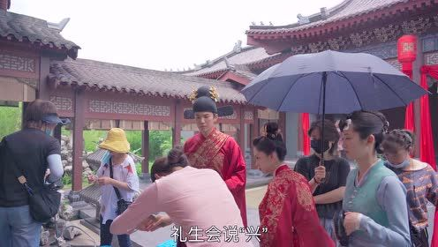 BTS: Zhong Hanliang and Tan Songyun learns wedding etiquette | The Sword and the Brocade