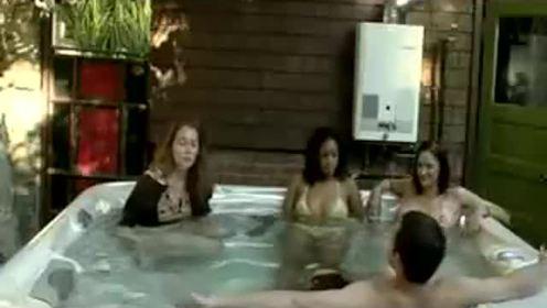 热水浴意外 美女突然腹泻