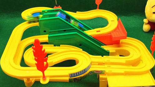 托马斯和他的朋友们 托马斯小火车玩具视频