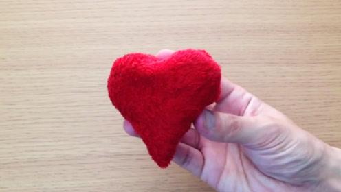 生活小窍门:如何用毛巾折一个爱心?
