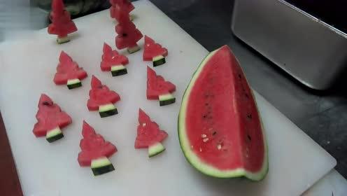 西瓜切圣诞树教程 简单方便,瓜果蔬菜的花式切法,好看又好吃