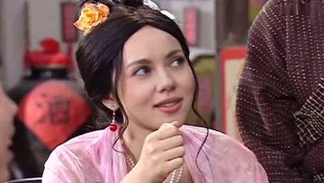 用AI把佟湘玉换脸成黑寡妇,毫无违和感