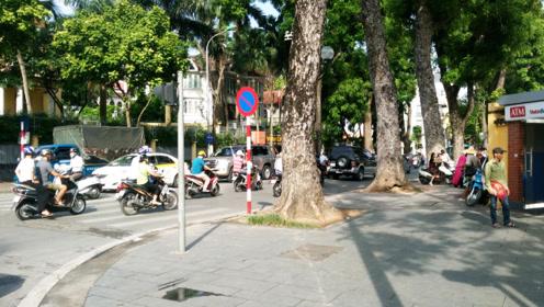 八个小时车程到河内,看了一路,原来越南是这么个样