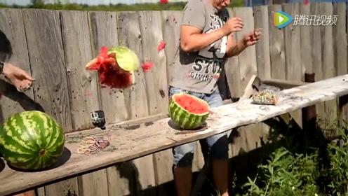 丧心病狂的小哥花式炸西瓜,场面也是宏大美艳