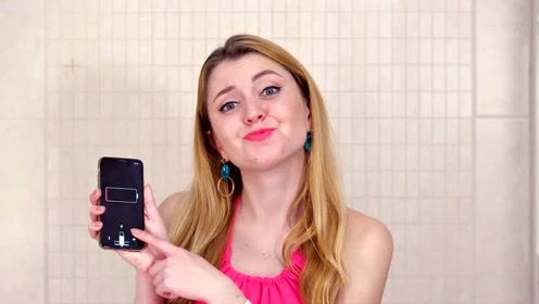 创意恶作剧:卫生纸恶搞正在上厕所的女孩,真