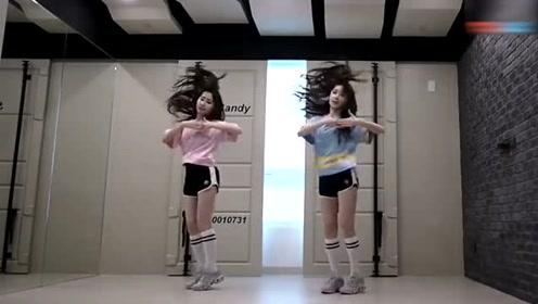 韩国美女练习舞蹈,这柔韧性,真的很赞!