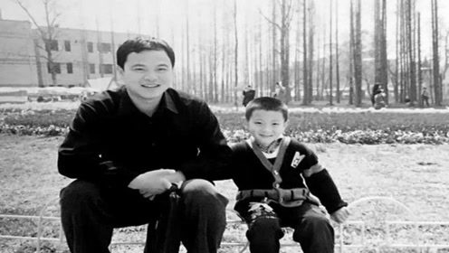 黄子韬爸爸病逝享年52岁,龙韬娱乐发讣告悼念