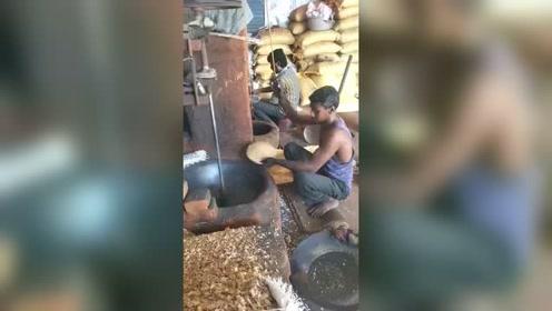 印度的神奇自动爆米花机,不到20秒轻松爆一锅,真不愧是开挂的民族!