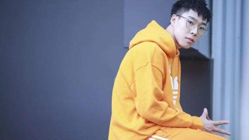 杨皓喆首次CBA队内训练 单挑顶飞职业选手身体素质太好