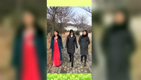 来朝鲜旅游不是看风景有多美,眼前的一幕,看她们走路是一种享受