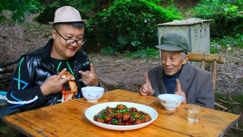 """阿米买15只鲍鱼秘制""""鲍鱼红烧肉""""猪肉软糯,肥而不腻,解馋"""