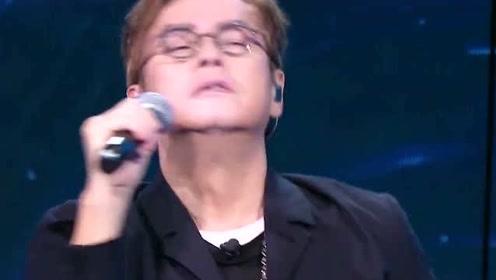 李健唱歌已经够好了,谁知谭咏麟一开口,差距不是一般的大