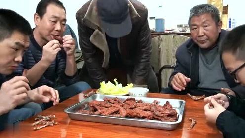 8斤鸭翅花了80,阿远卤的鸭翅,香味四溢,四叔大伯吃过瘾了