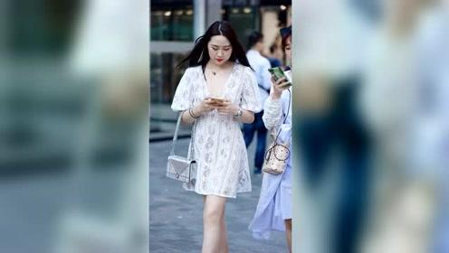 北京三里屯街拍,身材超好的小仙女!