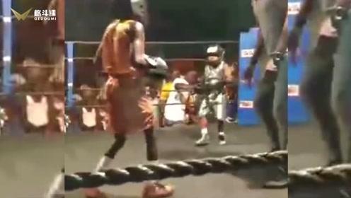 国外儿童拳击比赛,这防护措施做得根本打不伤