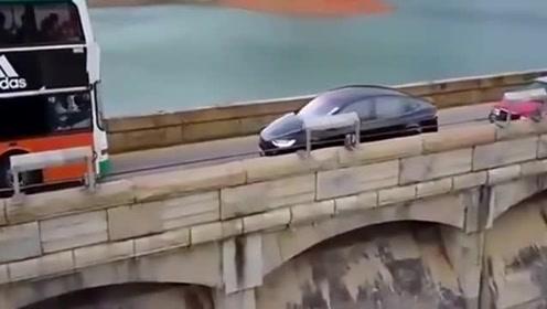 不知道是不是女司机开的,女司机看了,也会忍