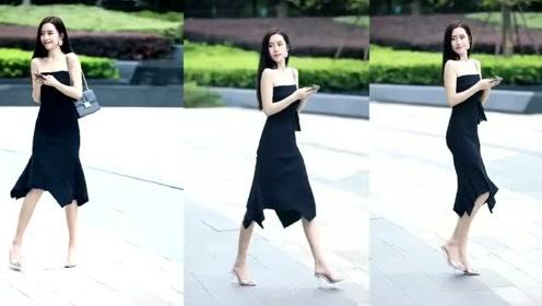 时尚街拍30岁女人偏爱连身裙,四选一,你选择谁