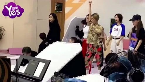 王霏霏发VLOG视频感谢浪姐舞台    晒总决赛花絮告白姐姐们