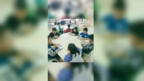 第二幼儿园宝宝生活视频