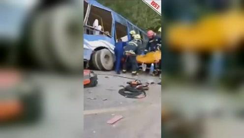 吉林靖宇警方通报一公交车与重型货车相撞事故:致2死16伤