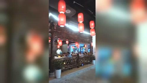 美食探店 北京簋街的小龙虾,来我们福州了!