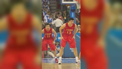 亚洲第一中锋!大姚国际赛场精彩表现集锦,姚明对中国篮球影响究竟有多大?
