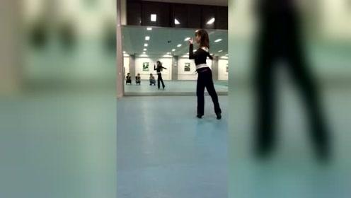 南京大学拉丁舞社导师课套路演示2