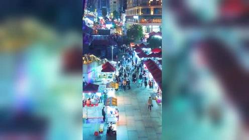 柳州虽然是一座工业城市   夜景一点不比旅游城市差  祝福我们的祖国繁荣昌盛