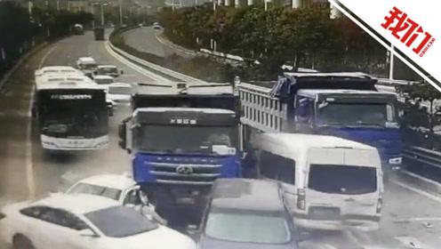青岛一货车行驶中撞向等红灯车辆 交警:7车受损1人受伤