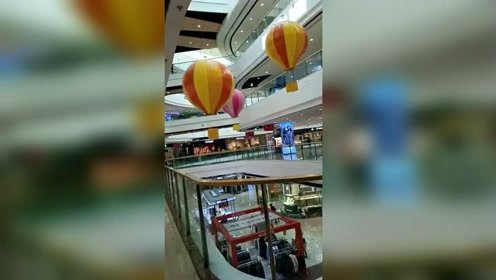 视频2:扬州万达广场内部