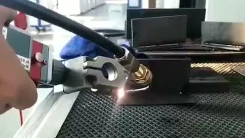 播放科技焊接机视频1