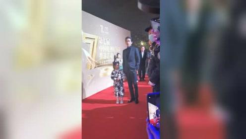 中国好演员携可爱小朋友候场