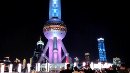 上海陆家嘴是世界最具有影响力的金融中心之一,太繁华了