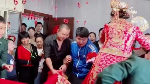 最浪漫的军婚婚礼现场,新娘直接被兵哥哥扛走