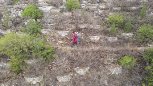 一个人徒步济南佛慧山,用无人机智能跟随自拍