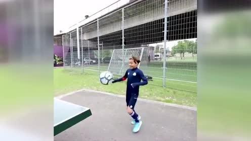 据称是地表最强的13岁球员:安德莱赫特的Rayane Bounida