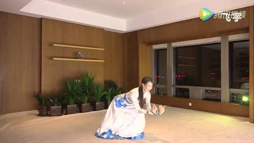 女子蒙族舞《鸿雁》歌曲舞蹈融为一体 十人看九人醉!