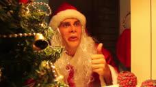 厉害了我的哥,这个圣诞老人一点都不安分,你的驯鹿会怎么想?