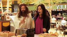 恶作剧:耶稣显灵恶搞路人,小手一挥多士炉里飞出了吃不完的面包