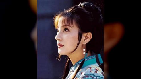 参加综艺节目《演员请就位》的赵薇能顺利翻篇