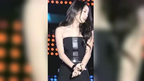 具荷拉经典舞台视频,永远的韩国第一腰!