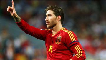 前锋的心!拉莫斯头球吊射+双响炮,助西班牙4球大胜